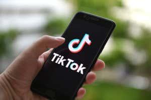 TikTok en un teléfono